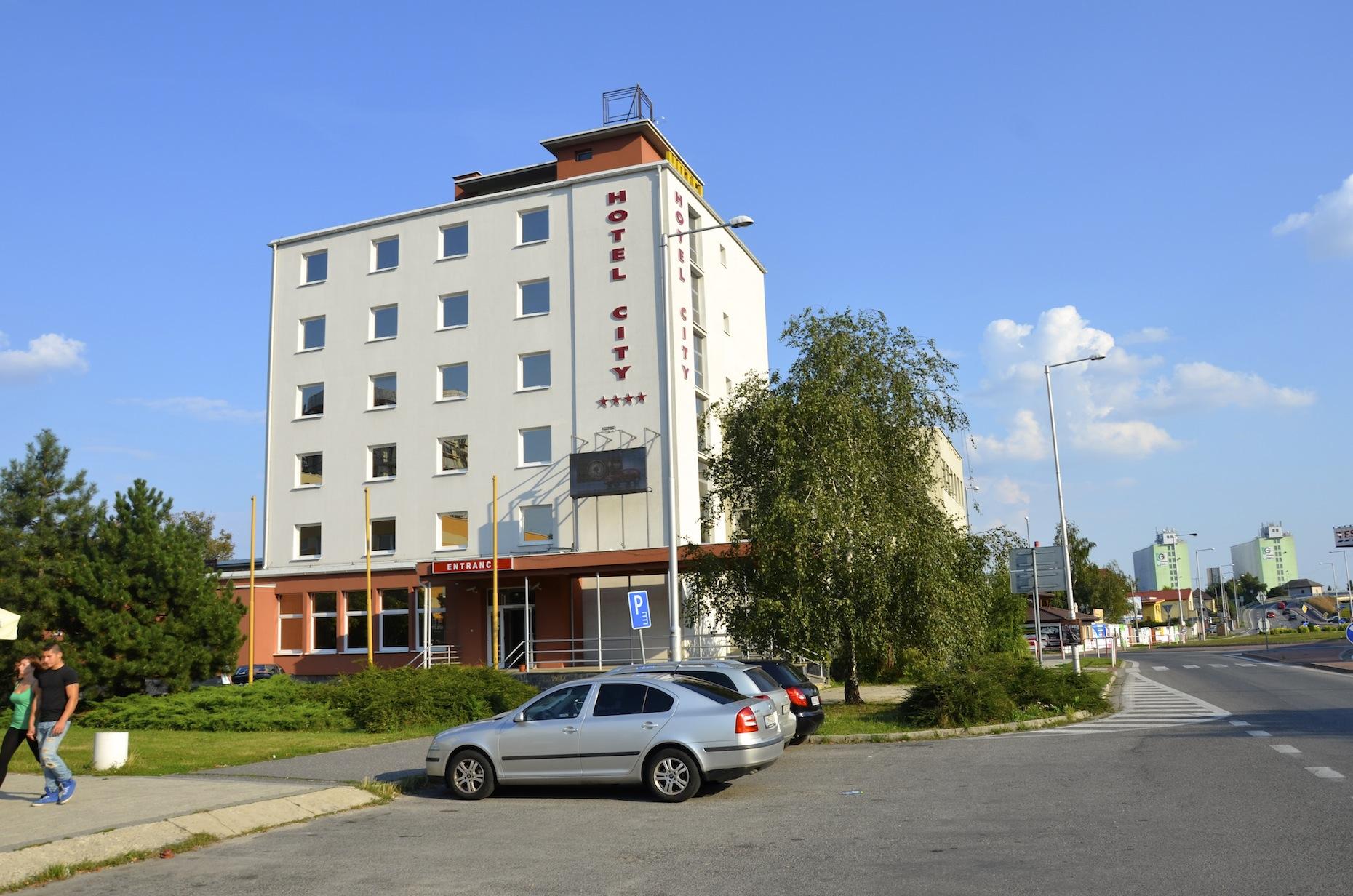 """Hotel"